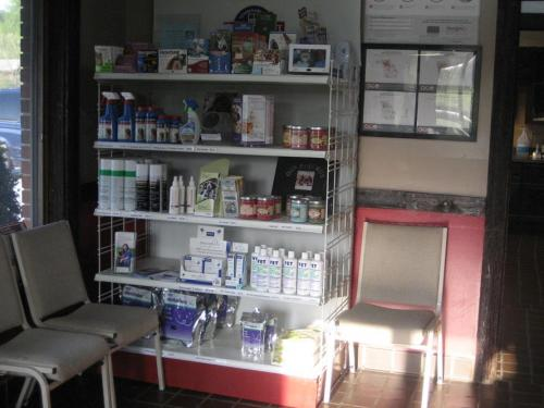 Retail Sales:  We offer a variety of products for sale at Whatley-Kinney Veterinary Clinic.